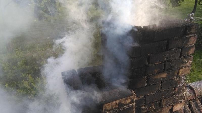 Zobaczcie jak może palić się komin. Pożar w Łazicach