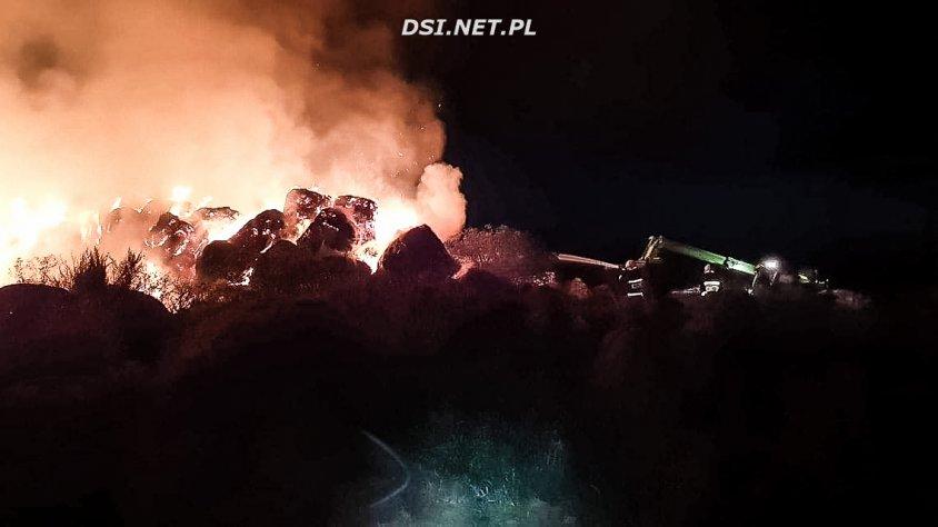 Strażacy walczyli z pożarem w Byszkowie