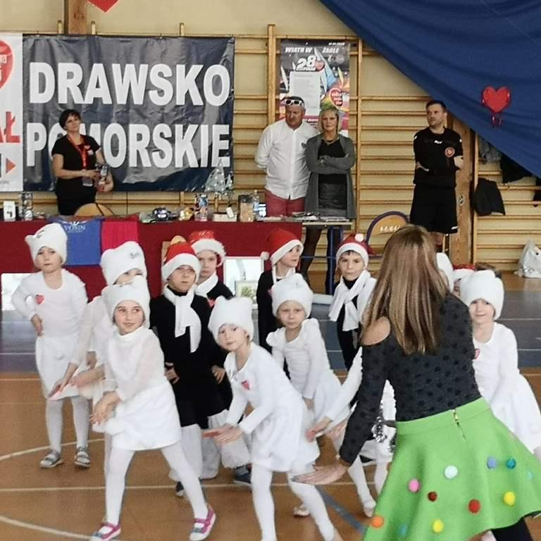 """""""0B"""" tanecznym krokiem Na Finale Wielkiej Orkiestry Świątecznej Pomocy"""