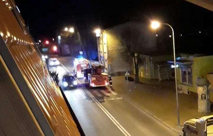 17:55 Strażacy wezwani do zgłoszenia zadymienia w Kaliszu Pomorskim na ul. Wolności