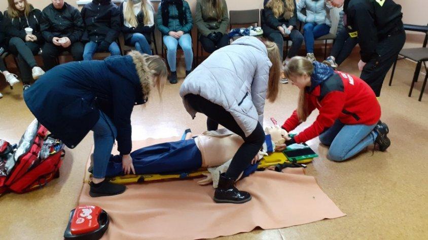 Młodzi ratownicy szkolili się w Regionalnej Bazie Logistycznej