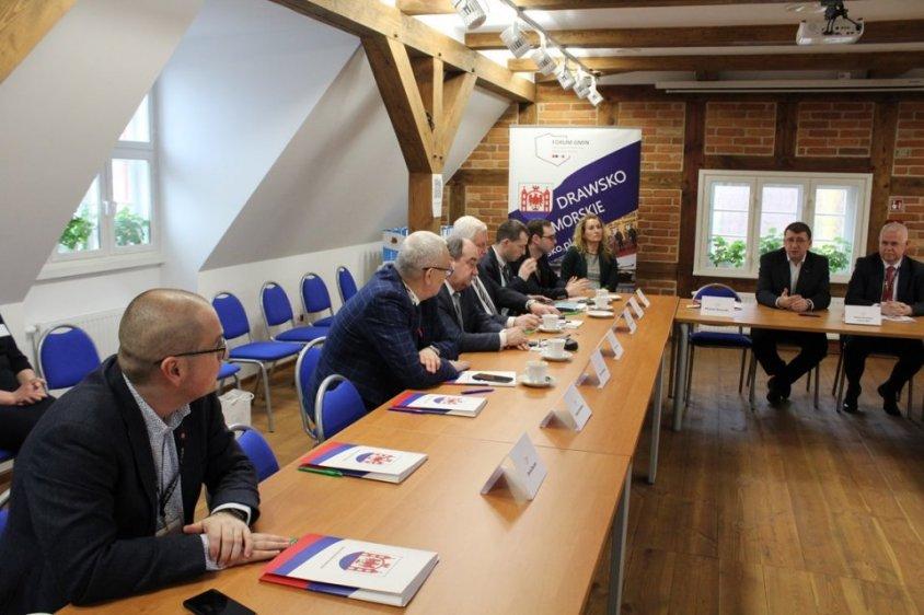 O tym jak gminą poligonowym współpracuje się z wojskiem na ogólnopolskim forum w Drawsku Pomorskim