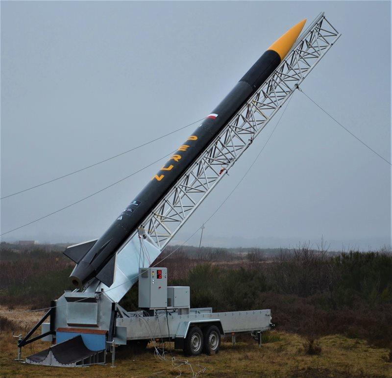 Suborbitalna rakieta PERUN wystartowała z drawskiego poligonu