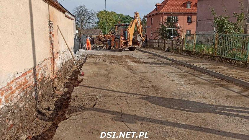 Trwa przebudowa ulicy Polnej. Urzędnicy konsultują rozwiązania z niepełnosprawnym radnym