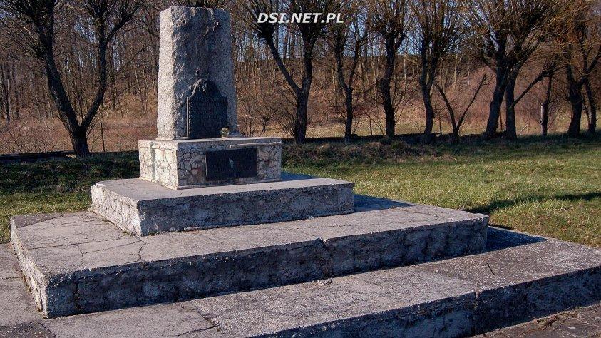 Pomnik Ostrowice
