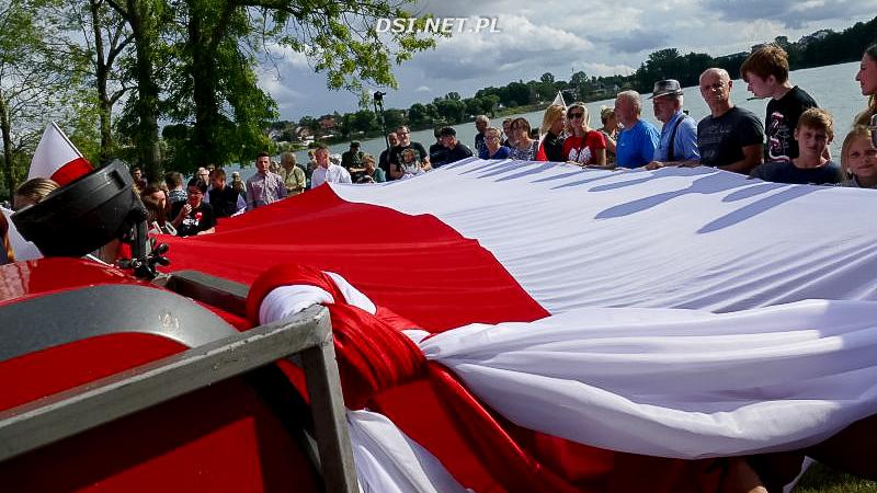 Oddali hołd uczestnikom Powstania Warszawskiego nad brzegiem jeziora Drawsko