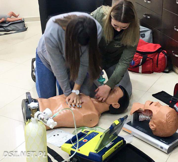 Postawili sobie cel: Uczyć pierwszej pomocy i wyposażyć mieszkańców w publiczne AED