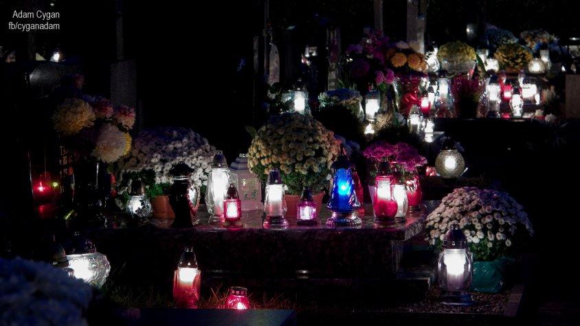 Kilka nocnych zdjęć z drawskiego cmentarza