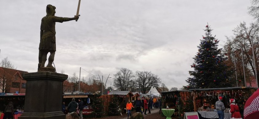 Młodzież z Drawska Pomorskiego przygotowała stoisko świąteczne w Bad Bramstedt