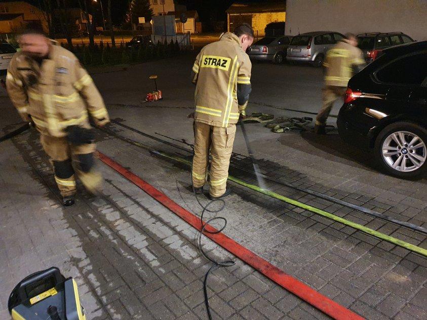 Palą się garaże w Świerczynie