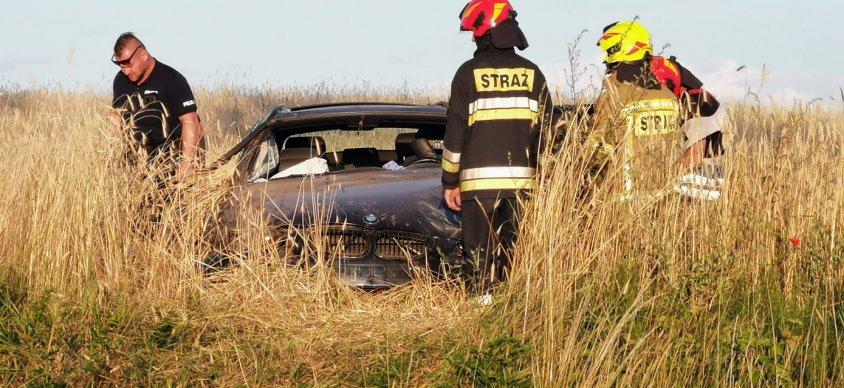 Wypadek w okolicach Lubieszewa. Na miejsce wysłano śmigłowiec