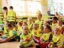Żarek przekazał kamizelki i gaśnice do szkoły w Nętnie