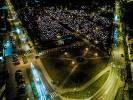 Widok z drona: Błażej prezentuje drawski cmentarz w nocy