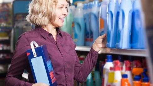 Na co zwrócić uwagę przy zakupie środków do prania?