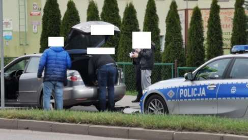 Policyjny pościg. W Drawsku służby przygotowały blokadę aby zatrzymać uciekającego kierowcę