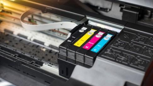 Czy kupowanie zamiennych tuszy do drukarek to dobry pomysł?
