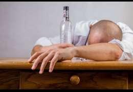 10 promili alkoholu we krwi. Uratowali go ratownicy medyczni