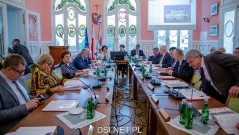 Jakimi pieniędzmi będzie dysponował powiat drawski, a ile planuje wydać w 2021 roku