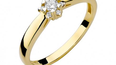Czy pierścionek zaręczynowy musi być drogi? – jak znaleźć pierścionek złoty zaręczynowy w przystępnej cenie?
