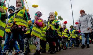 Przedszkolaki z Drawska Pomorskiego wybrały się na poszukiwanie wiosny