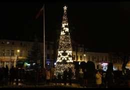 Choinka już w Drawsku rozbłysła, a do dzieci przybył św. Mikołaj