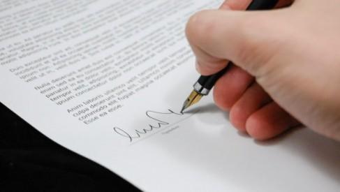 Umowa między kontrahentami - na co zwrócić uwagę?