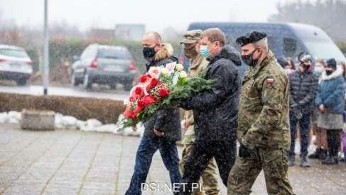 Tam spoczywa 3458 polskich żołnierzy. Dzisiaj oddano im hołd. Zdjęcia