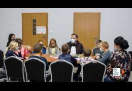 Pisarz Grzegorz Kasdepke spotkał się z dziećmi w Drawsku Pomorskim