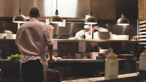 Maszyny i urządzenia stosowane w kuchni gastronomicznej