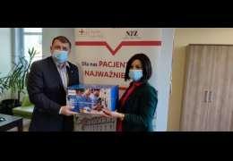 Sprzęt medyczny dla drawskiego szpitala od drawskiego samorządu i Burmistrza Drawska Pomorskiego