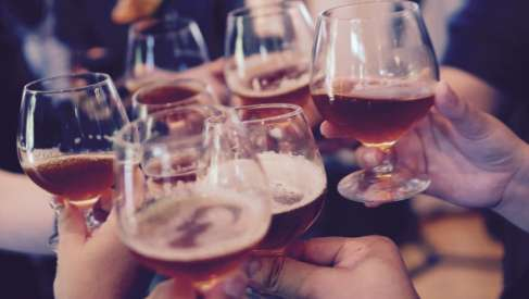 Drawsko: Weszła w życie społeczna uchwała dotycząca zwolnienia z opłaty za korzystanie z zezwoleń na sprzedaż napojów alkoholowych