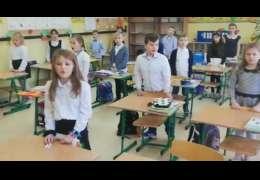 Tak życzenia dla swoich dziadków przekazują uczniowie z drawskiej podstawówki. Video