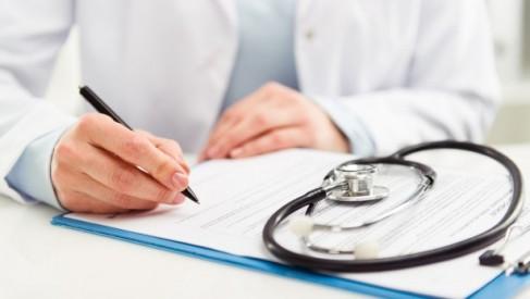 Zwolnienia lekarskie jako przyczyna wypowiedzenia umowy o pracę