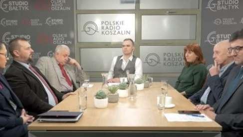"""Polityczna rozmowa """"naszych"""" posłów i polityków"""